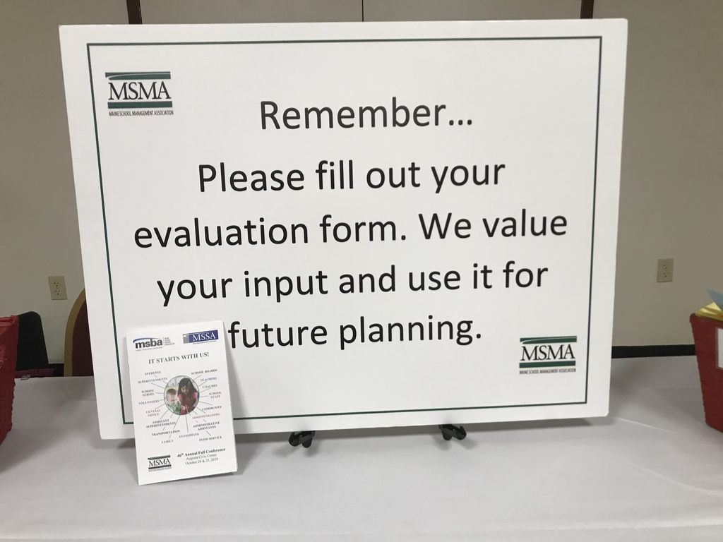 Picture of the sign asking people to leave evaluations in the basket.